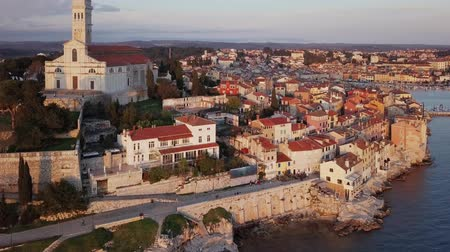kroatie : Evening flight around old town Rovinj, Istria, Croatia