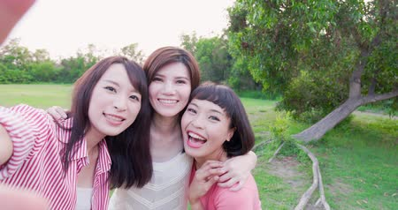 bestie : people selfie happily in the outdoor Stock Footage