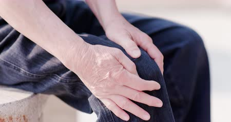 osteoarthritis : Older man have Knee problem and feel pain