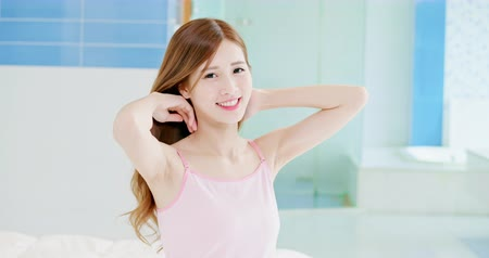 スキンケア : skin care concept - slow motion of asian girl smile to you