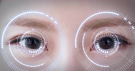 soczewki kontaktowe : Woman eye with futuristic vision system-Concept of control and security in the accesses technology