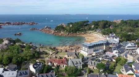 bretagne : Aerial view of Saint Guirec on the Pink Granite Coast in Brittany, France ,. Stock mozgókép