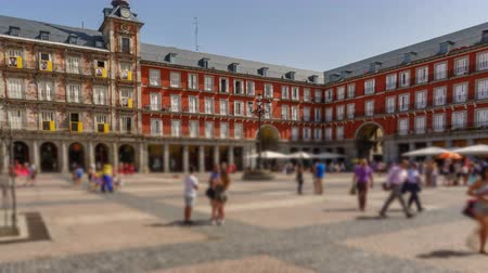 borroso : Plaza Mayor de Madrid salida hyperlapse Archivo de Video