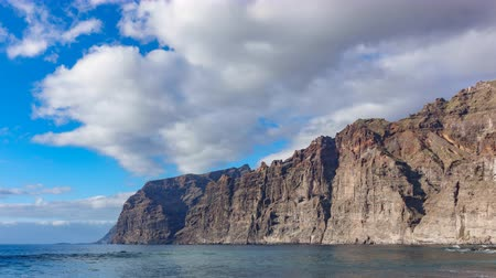 gigante : Low angle Time lapse of Los Gigantes cliffs in Tenerife