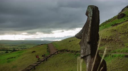 pedreira : Single Moai in the quarry time lapse, Rapa Nui