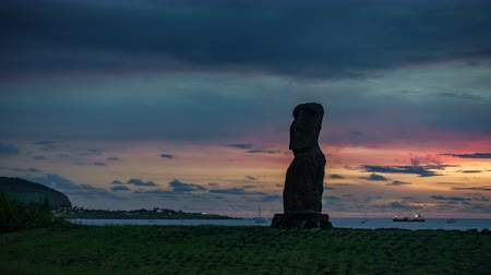 hanga : Sunset over single Moai time lapse in Easter Island