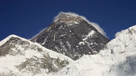 montar : Everest, Nuptse and Lhotse mountains view from Kala Patthar in Himalaya, Nepal