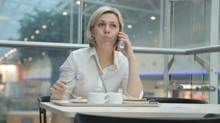 appetito : woman talking on the phone