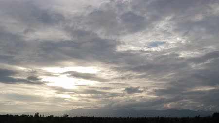 chaminé : Dramatic stormy scenery countryside beautiful clouds sunbeams and beautiful landscape time lapse Vídeos