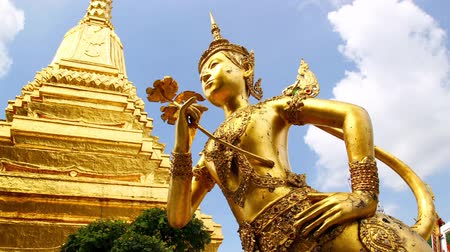 статуя : kinnaree, manorah, bangkok, thailand