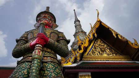 heykel : Giant sculpture in temple, Thailand