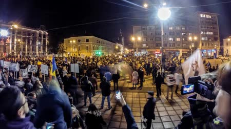 Клаус : CLUJ NAPOCA - NOVEMBER 14: Time lapse of 15.000 people protesting against the Romanian Presidential candidate Victor Ponta before the Presidential Elections. On November 14, 2014 in Cluj, Romania