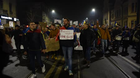protesto : CLUJ NAPOCA, ROMANIA - FEBRUARY 5, 2017: More than 600,000 people protested last night across Romania against the governments plans to pardon or reduce sentences of corrupt politicians