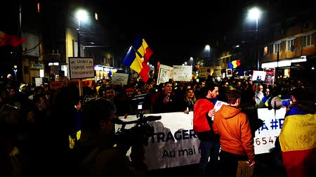 unrest : CLUJ NAPOCA, ROMANIA - FEBRUARY 5, 2017: More than 600,000 people protested last night across Romania against the governments plans to pardon or reduce sentences of corrupt politicians