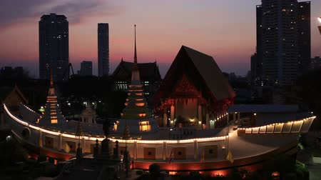 The Wat Yannawa on the Chao Phraya river also know the boat temple at sunset.