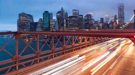 lumieres : Brooklyn bridge voiture feu timelapse - New York - USA Vidéos Libres De Droits