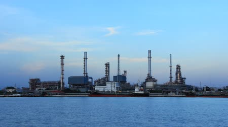 petrolkémiai : Coastal oil refinery in the morning here in Bangkok Thailand.