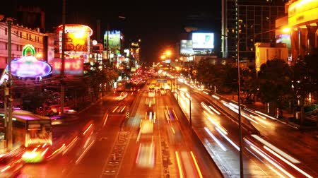 car traffic : Traffic in city at night with car speed. Stock Footage