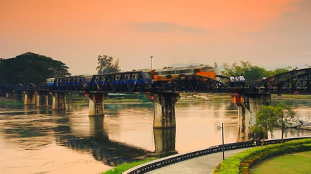 tajlandia : Railway Bridge over the River Kwai. Kanchanaburi, Thailand