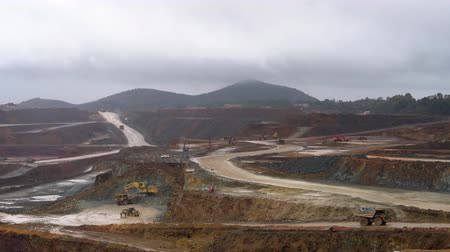 mines : Working in the mines of Rio Tinto
