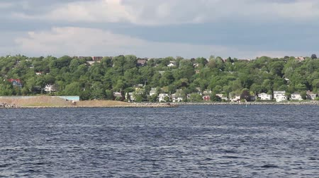kanada : View of Dartmouth from the Halifax side of Halifax Harbour, Nova Scotia, Canada. Stok Video