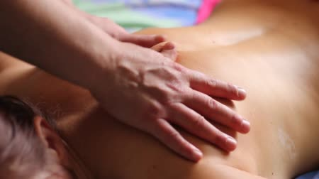 massages : body massage