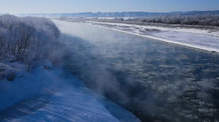 глыба : Winter in Tokachi district, beautiful river scenery.