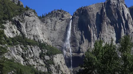 Észak amerika : Yosemite falls in Yosemite Valley
