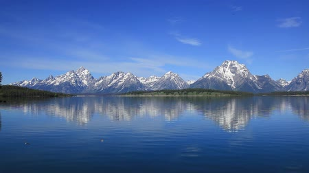mt : Jennifer Lake and the Teton Mountains