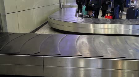 bagagem : movement of the conveyor belt baggage