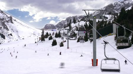 esqui : Time-laps picturesque ski resort. Time-laps X30