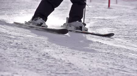 lesiklás : Slow Motion at a rate of 480 fps. Skiing close-up