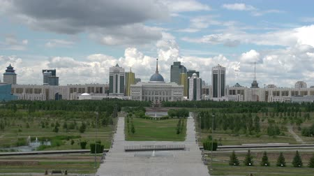 polinésia : Residence of the President of Kazakhstan and administrative buildings in Astana. The view across the park. Time Lapse Stock Footage