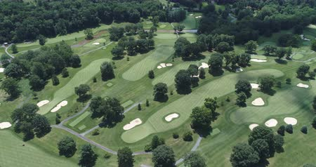 golfové hřiště : Aerial view of golf course. Flight over of American golf links - Pennsylvania, USA