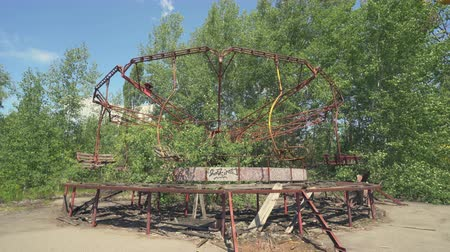 reactor : Abandoned amusement park, carousel in Pripyat. Chernobyl nuclear disaster - Juni 2017: 30km Chernobyl, exclusion zone