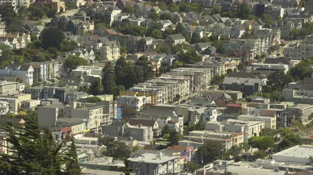 çatı : San Francisco cityscape, crowded suburban district - August 2017: San Francisco, California, US