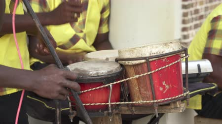 jamaica : Traditionally dressed caribbean musicians, band. Jamaican street music - Jamaica
