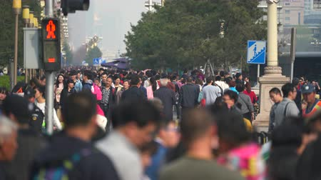 peking : Crowded China. Crowd of people in the chaotic Tiananmen street, Beijing - March 2017: Beijing, China