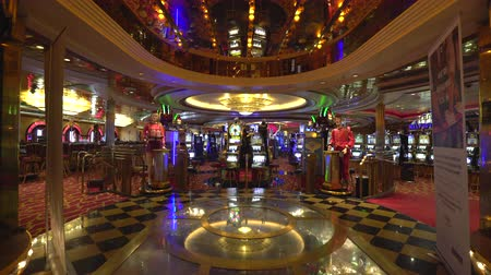 ruleta : Casino, gambling room inside view