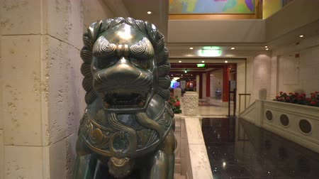 taoism : Chinese lion statue - sliding shot