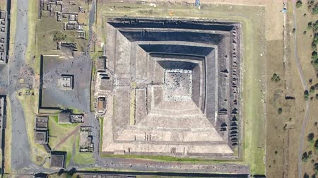 błonnik : Aerial view of Teotihuacan, aztec pyramid - Mexico City Wideo
