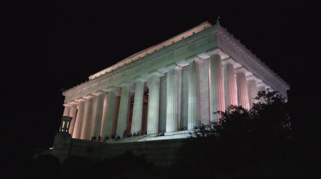 president of united states : Abraham Lincoln Memorial at night, slider shot - Washington DC Stock Footage