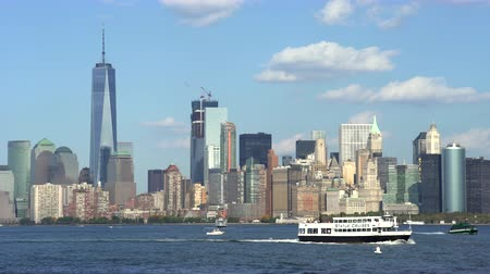 империя : New York City skylines, Hudson river side - Manhattan cityscape Стоковые видеозаписи