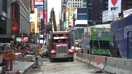 hard hat : Road construction in New York City, crowded street - Time Square
