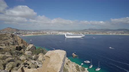 cabo san jose : Cabo San Lucas bay with a cruise ship - Mexico