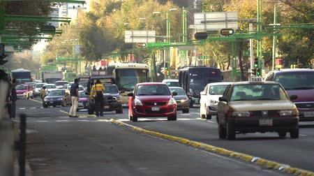 batida : Mexico City traffic, downtown street view. Overpopulated city