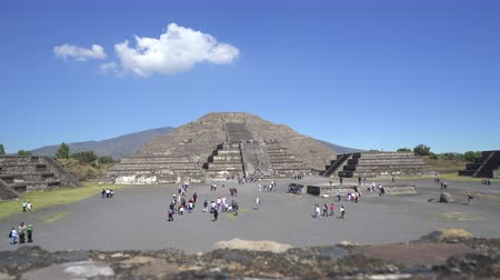 еж : Teotihuacan moon pyramid - Mexico City Стоковые видеозаписи