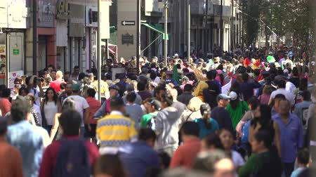 etnisite : Mexico City downtown. Crowd of people walking on the street