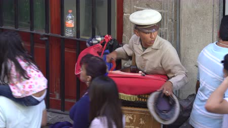 pólos : Traditional Mexican street musician, organ grinder - Mexico City downtown