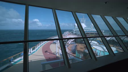 serenade : Cruise ship pool deck, onboard view - Serenade of the seaside